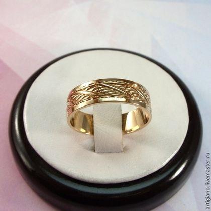 Кольца ручной работы. Мужское кольцо из золота.