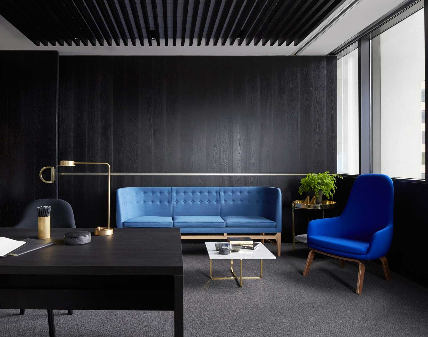 Mim designs creates dream office for landream corporate for Best modern office interior