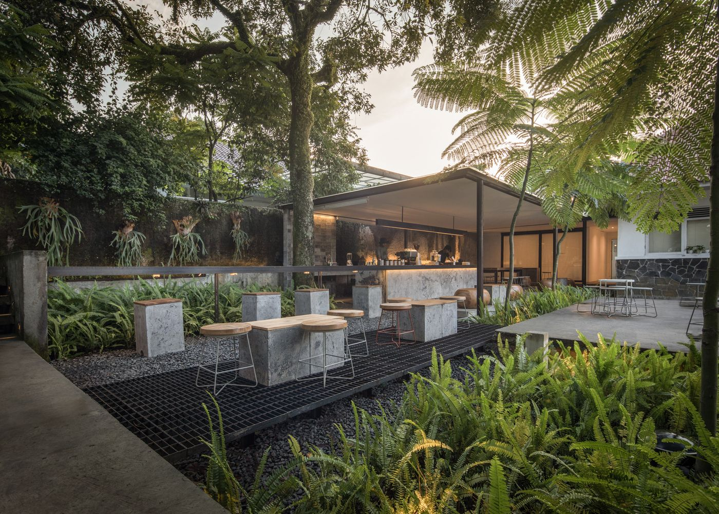 Gallery Of Kilogram Coffee Shop Pranala Associates 2 In 2020 Coffee Shop Modern Landscaping Colonial House