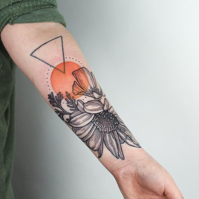 Sunflower And California Poppy By Emily Kaul At Opal Ink In Portland Or Tattoos In 2020 Tattoos R Tattoo Prison Tattoos