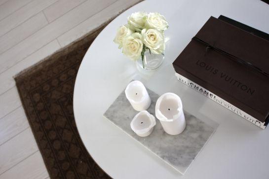 homevialaura #roses #coffeetablebooks #candles #marble #louisvuitton #carpet