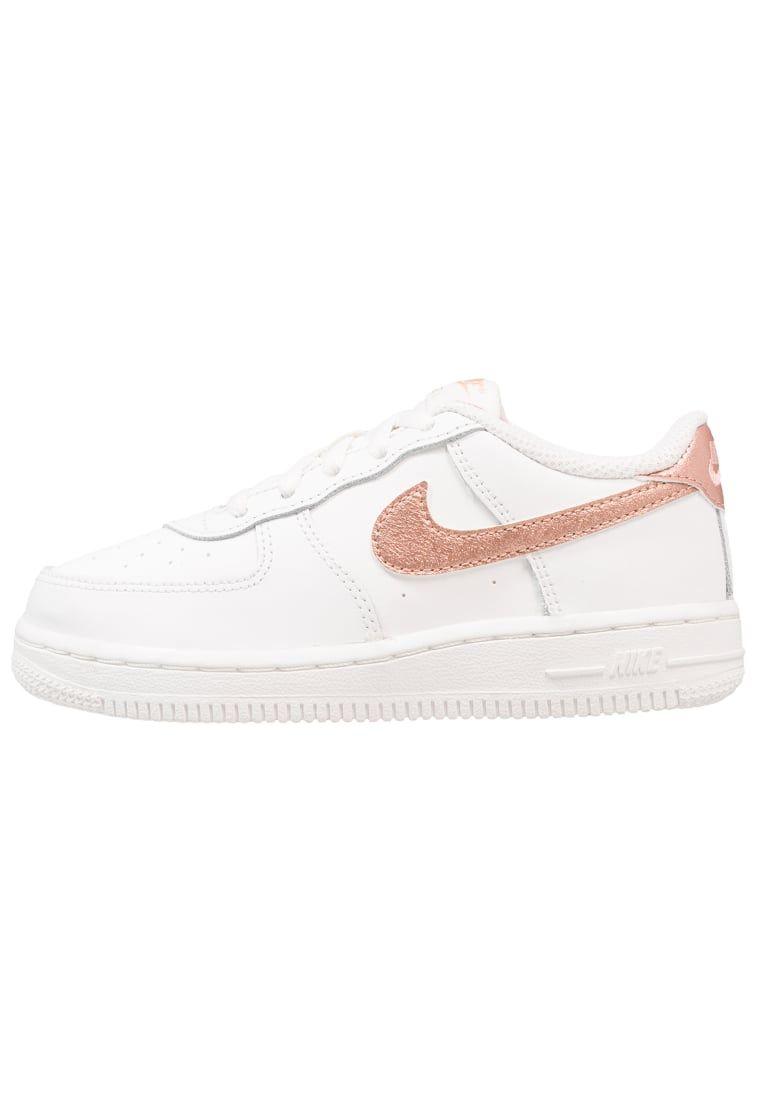 newest 03537 d819a ¡Consigue este tipo de zapatillas básicas de Nike Sportswear ahora! Haz  clic para ver los detalles. Envíos gratis a toda España. Nike Sportswear  NIKE FORCE ...