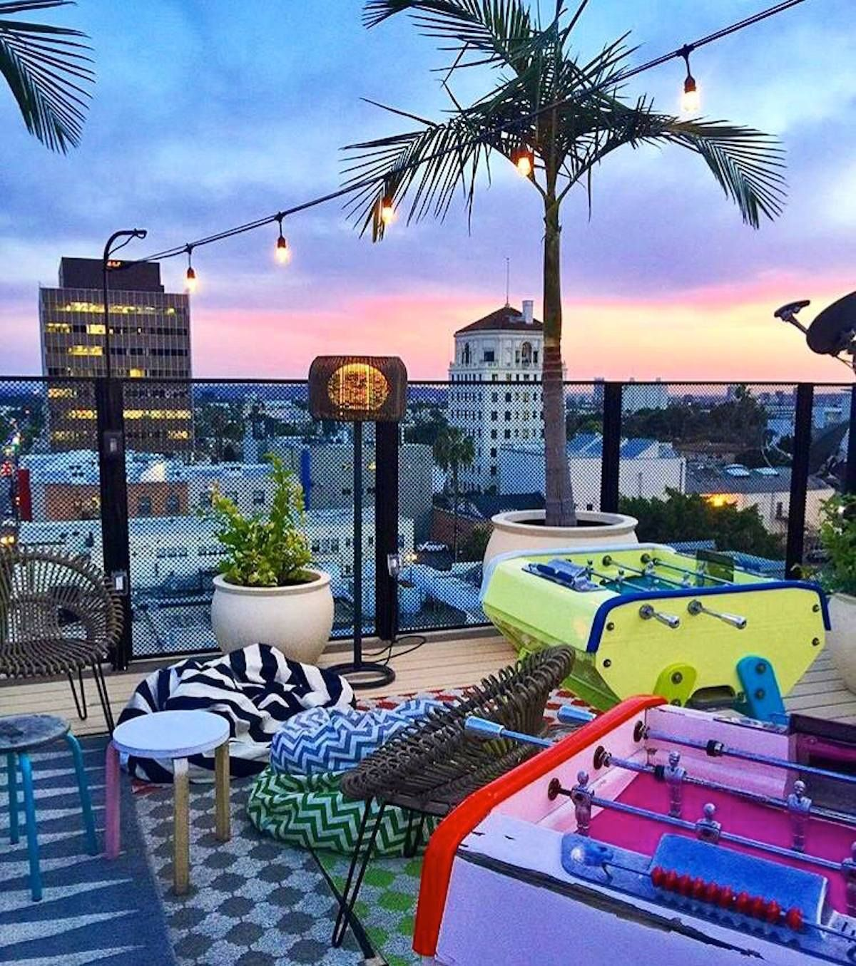 10 Coolest Rooftop Bars In America Rooftop Bar Design Best Rooftop Bars Rooftop Bar