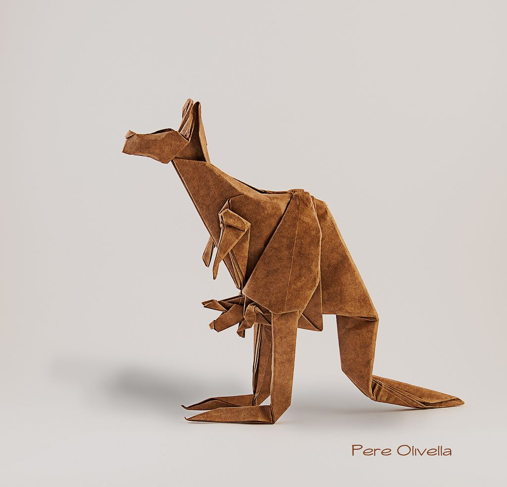 Canguro con cria de Gen Hagiwara by Pere Olivella