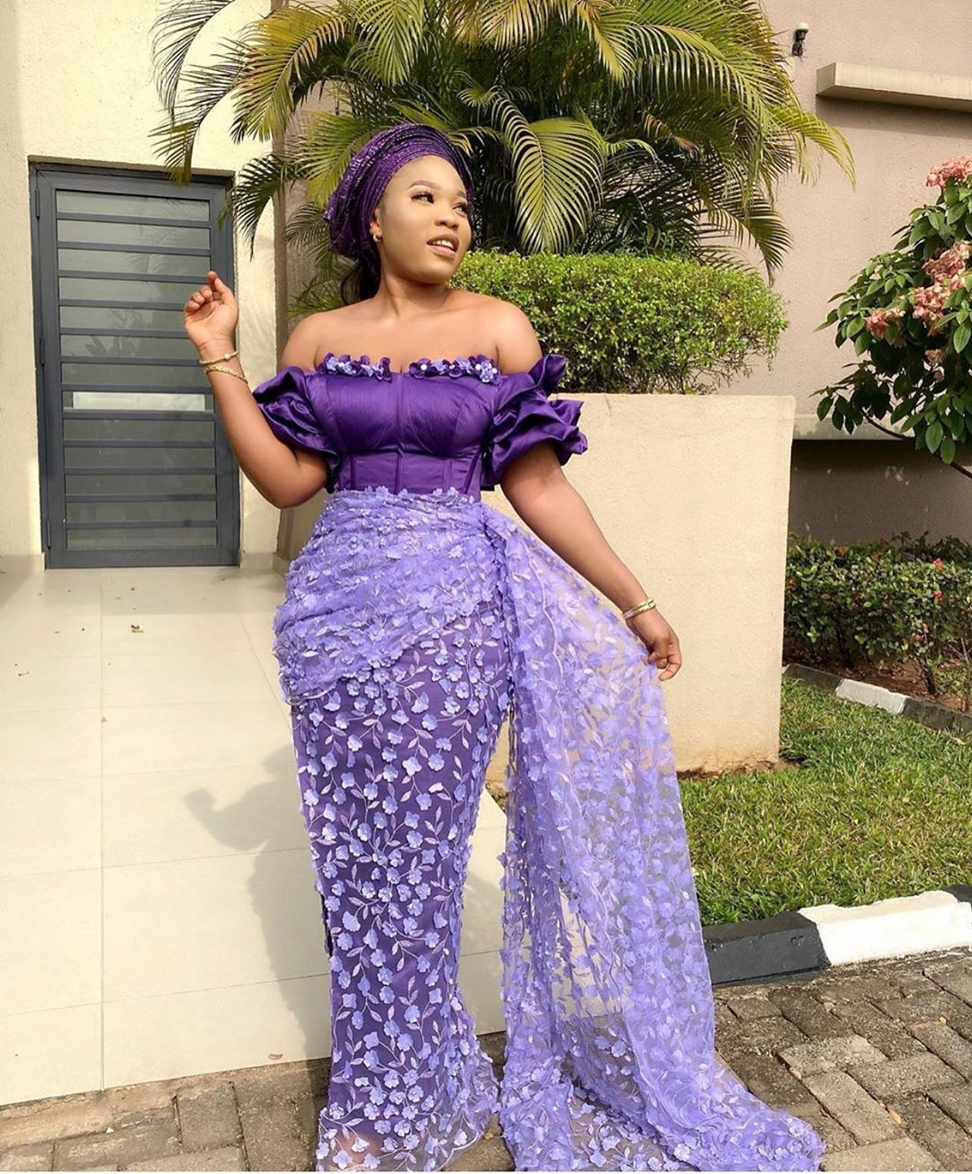 Asoebi Styles On Instagram Too Pretty Esosa Dress Nellic Couture In 2020 Latest African Fashion Dresses African Print Fashion Dresses Lace Gown Styles