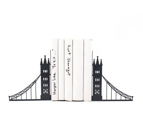 Reggilibri in metallo unici  London bridge di DesignAtelierArticle