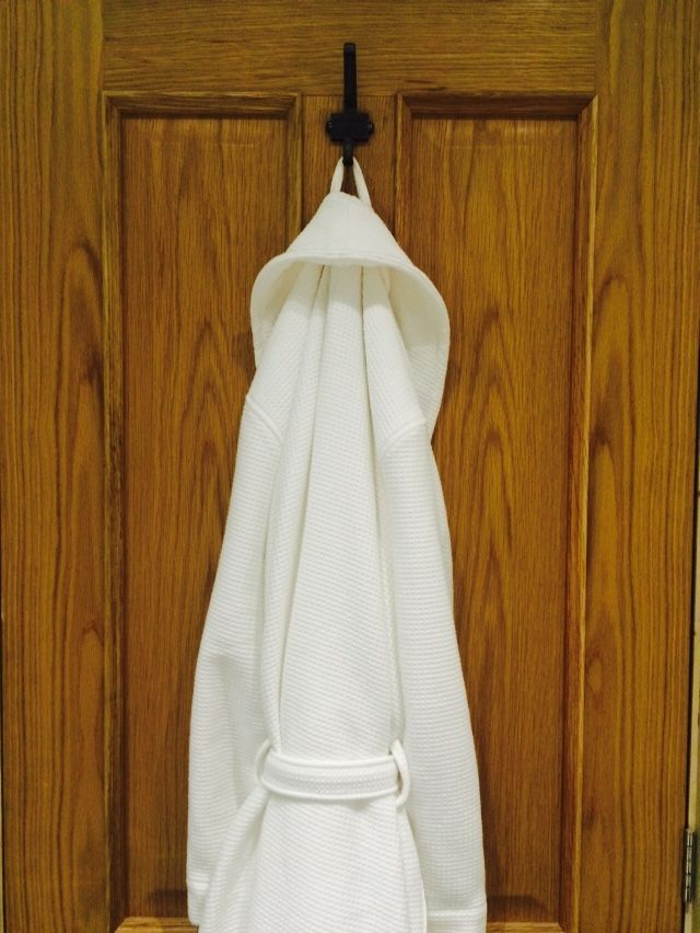 The White Company waffle dressing gown £55 / Oak door / reclaimed ...