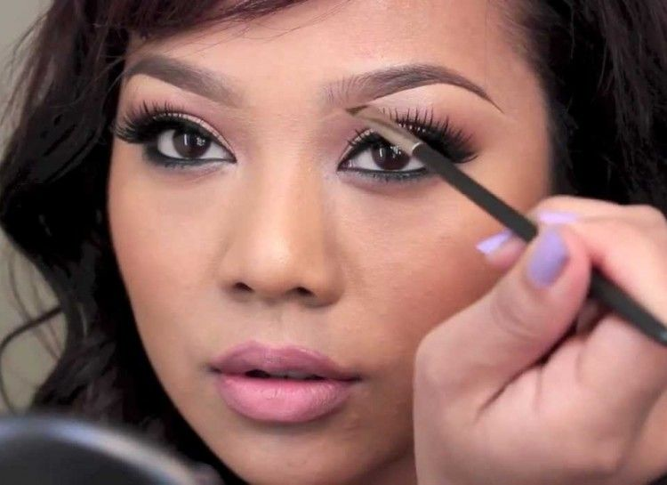 Top 10 Beauty Youtubers Who Will Inspire Your Next Look Eyebrow Makeup Eyebrow Makeup Tutorial Best Eyebrow Products