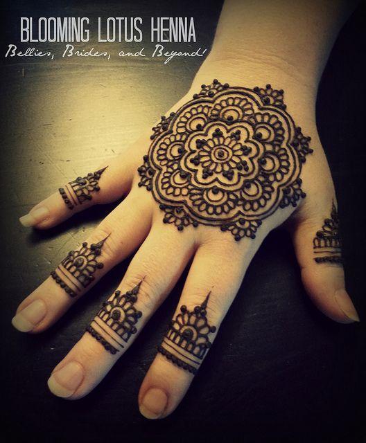 Mandala Henna Hand W Finger Accents Mehndi Designs Henna Hand
