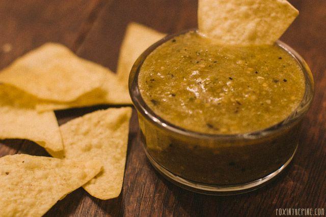 Green salsa recipe   //   FOXINTHEPINE.COM