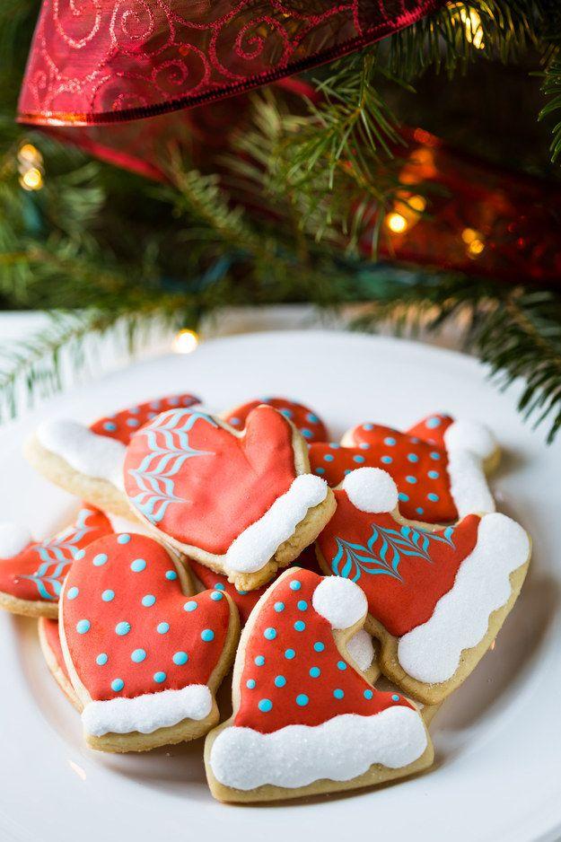 Easy Hat And Mitten Cookies Tutorial Cookies Easy Christmas