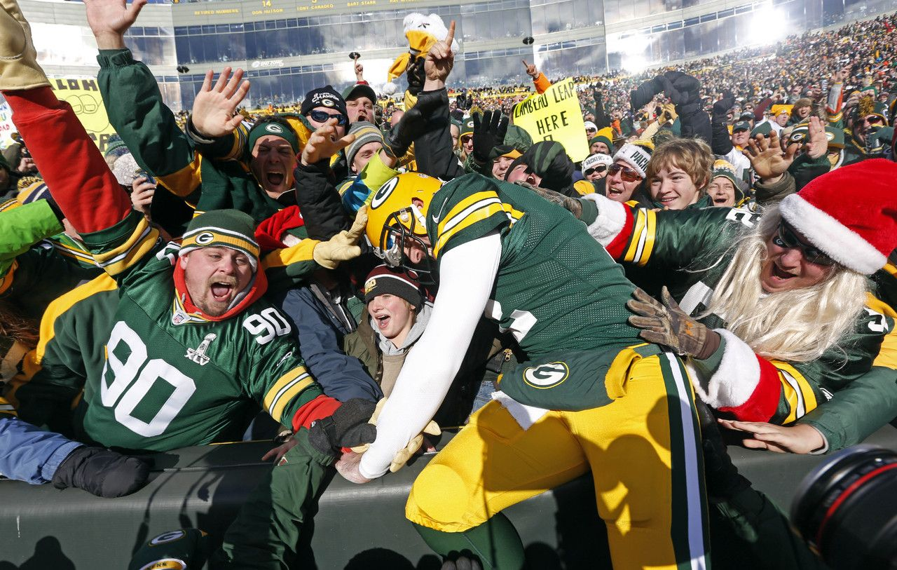 Lots Of Lambeau Leaps Today Green Bay Packers Packers Green Bay Packers Team