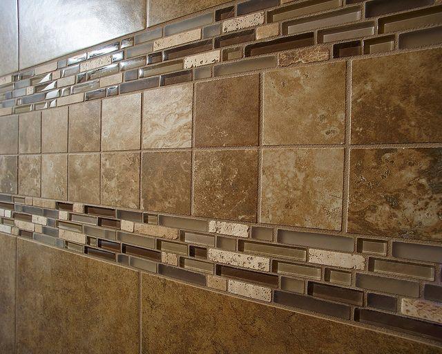 Die besten 25 duschfliesen designs ideen auf pinterest bad fliesen designs duschregale und - Holzwand fliesen ...