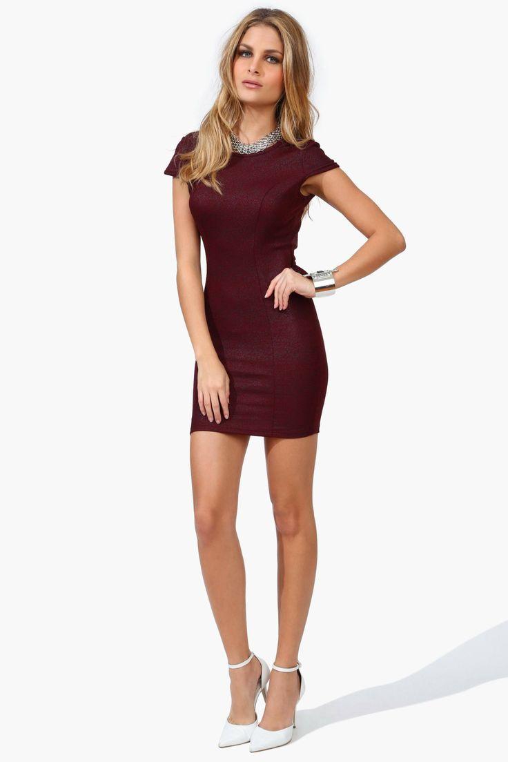 a7d6e343c Pin de Thais Michele Rosan em Dresses
