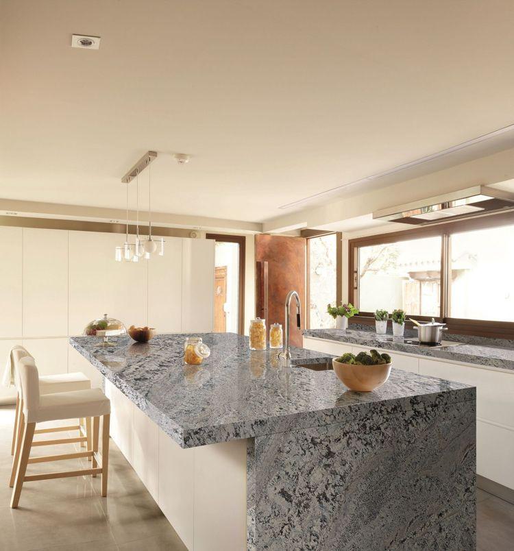 Arbeitsplatte aus Granit in der modernen Küche \u2013 Vor- und Nachteile