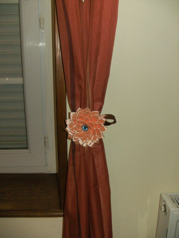 lot de 2 embrasses attaches rideaux fleur kanzashi. Black Bedroom Furniture Sets. Home Design Ideas