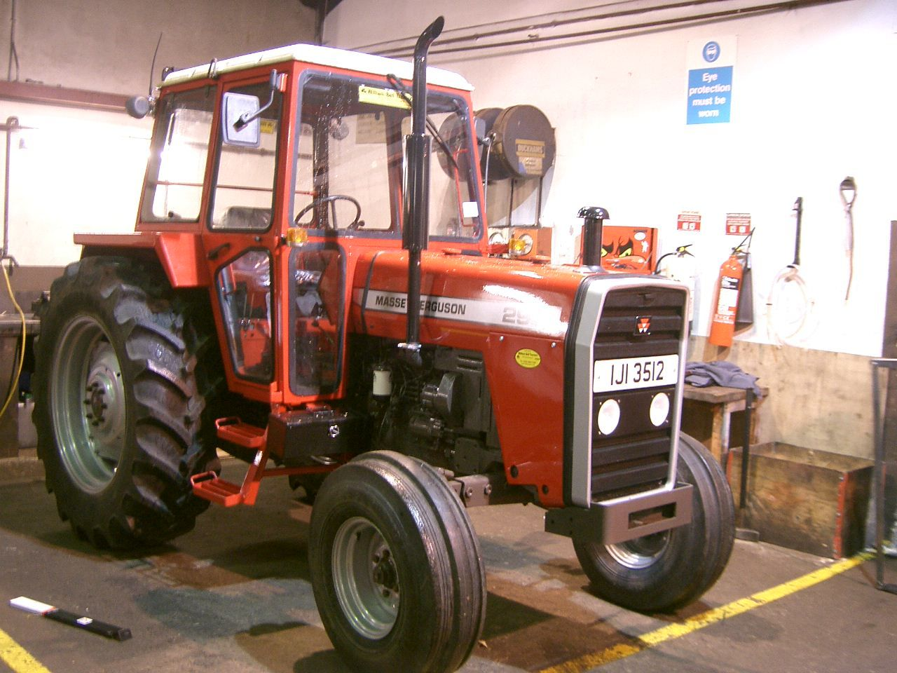 Massey Ferguson 290 Specs Photos Videos And More On Flipacars Tractors Massey Ferguson Massey Ferguson Tractors