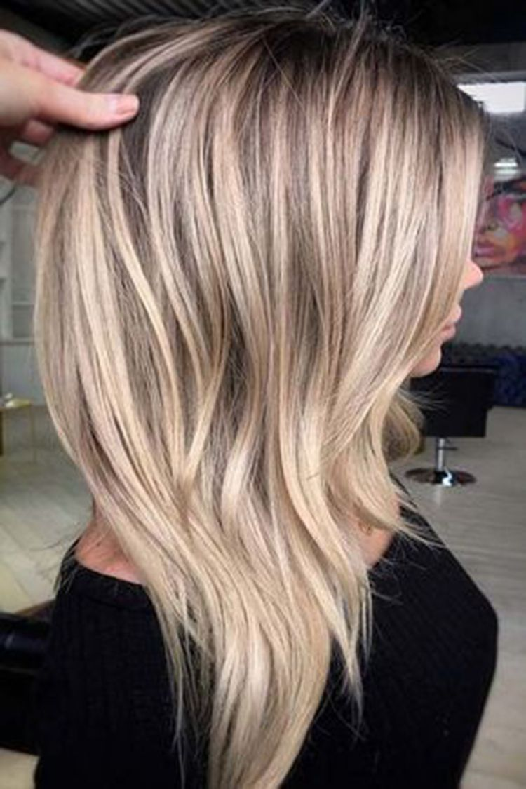 30 Ultra Flirty Blonde Hairstyles You Have To Try Blonde Hairstyles Haircuts With Layers Haircuts With Bangs Hair Styles Hair Color Balayage Balayage Hair