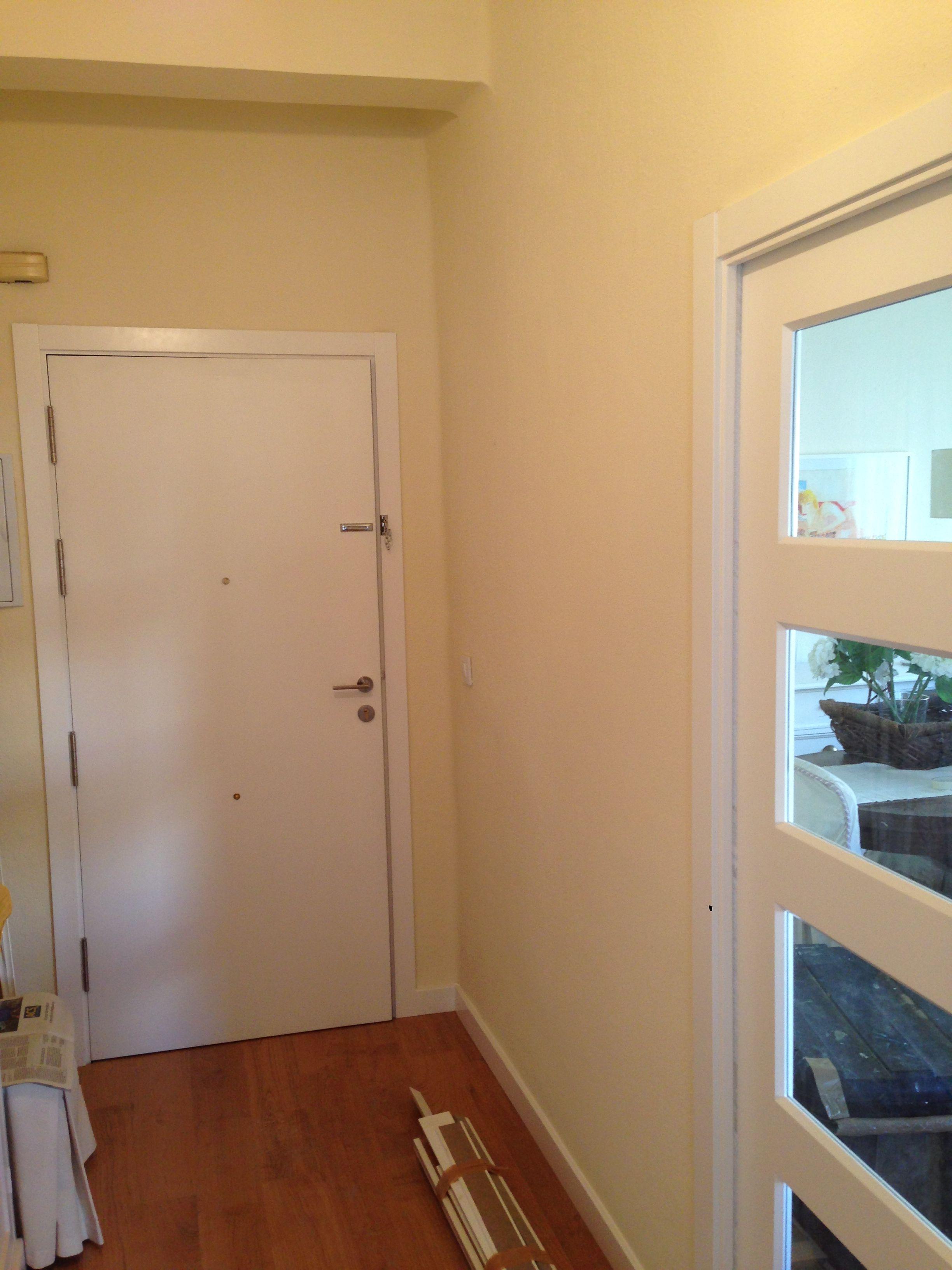 Interior de puerta blindada lacada en blanco. | Puertas Blindadas ...