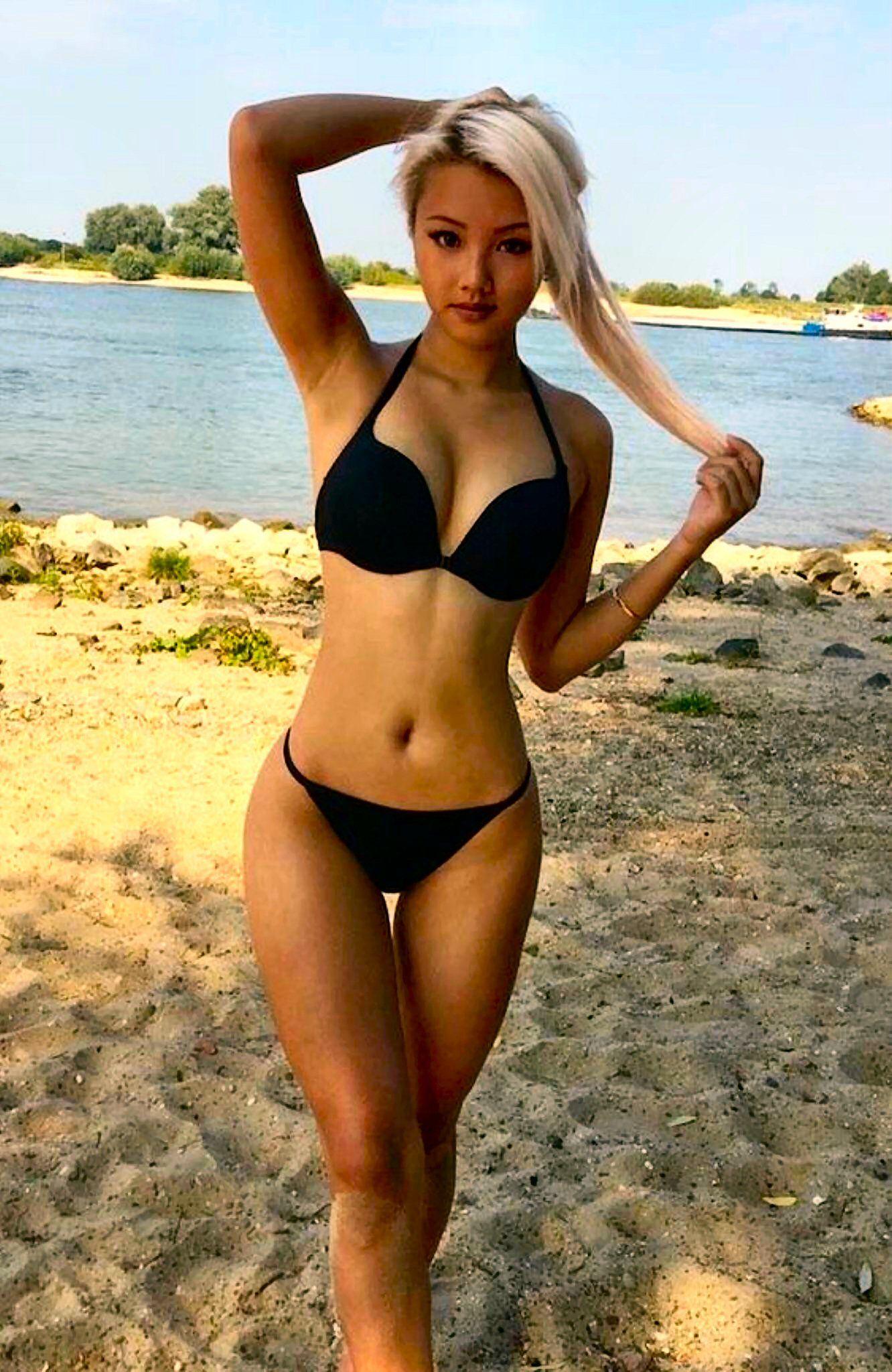 Sexy blonde asian girls