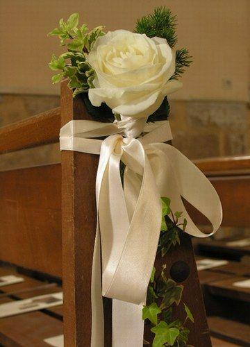Decoration Chaise Eglise Recherche Google Decoration Eglise Decoration Florale Mariage Decoration Eglise Mariage