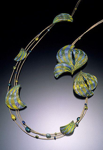 Floating Wreath Necklace - Elise Winters