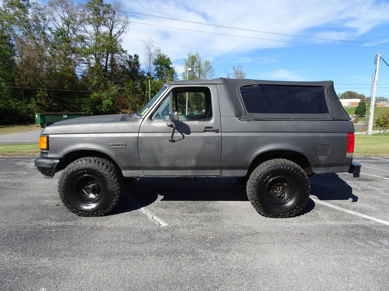 1988 Ford Bronco XLT | Ford bronco, Ford and Cars