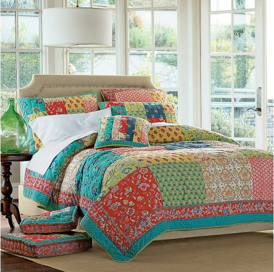 LOVE this fun & easy quilt and pillows by thecompanystore! Lovebirds by Riley Blake Designs ...