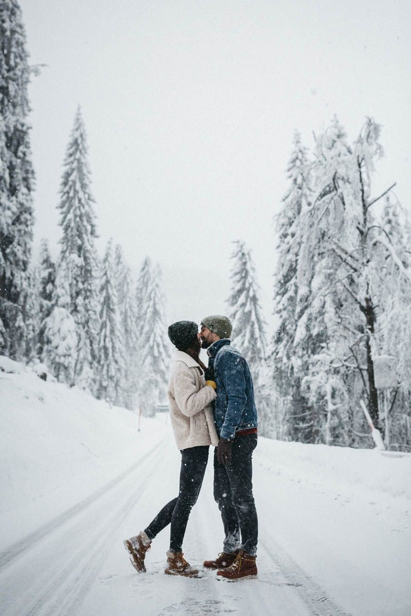 @ Raissa + Simon Fotografie  Winter - Couple - Shoot - Snow - Inspiration - Blac...