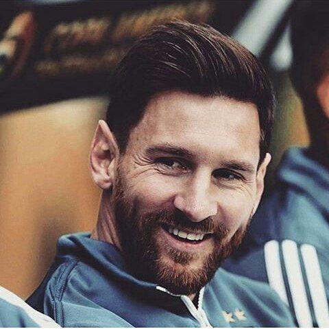 20 Winning Messi Haircuts Sporty And Stylish Looks For Guys Messi Messi Beard Beard Look