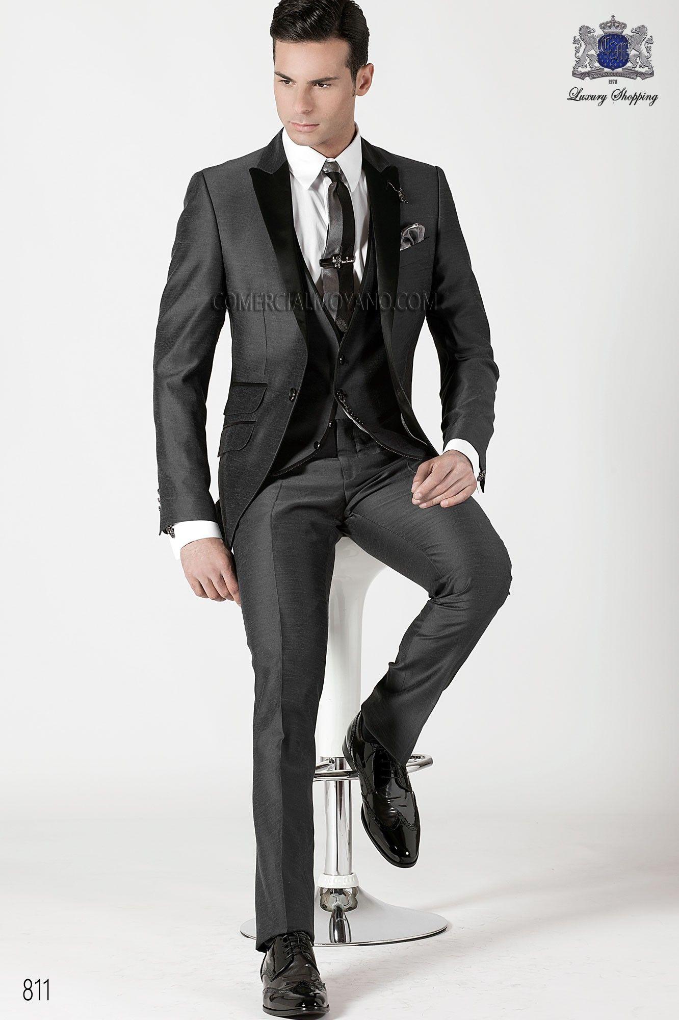 Traje de moda italiano a medida 3 piezas en seda shantung gris 6b4da7d43e9