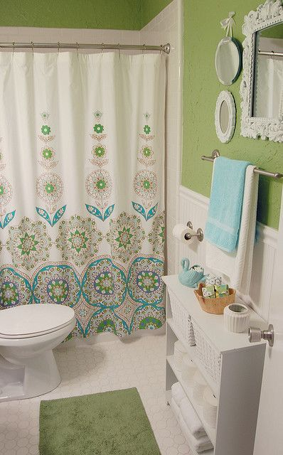 Love The Color Scheme And Shower Curtain Nice Blue Green White Contrast Good Style Without Being Overdone Green Bathroom Bathroom Decor Bathrooms Remodel