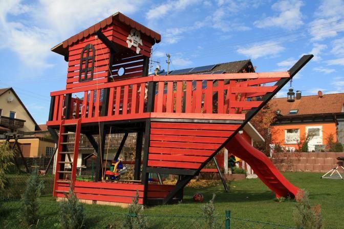 Pin Von Paul Sperer Auf Garten Baumhaus Designs Kinderspielzeug Garten Kinderspielhaus Holz