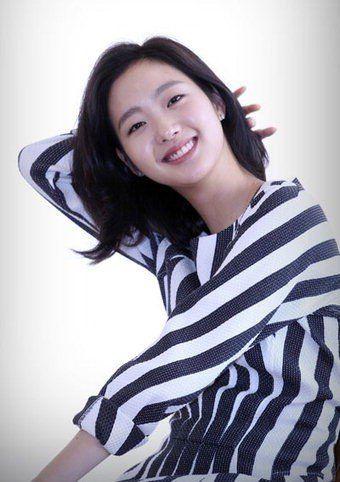 Kim Go-eun (김고은) - Picture   Kim go eun, Kim go eun style ...