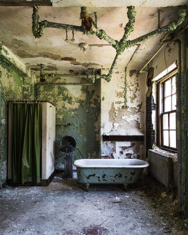 Jenn Brown Captures Amazing Photos Of Abandoned Places Across The USA