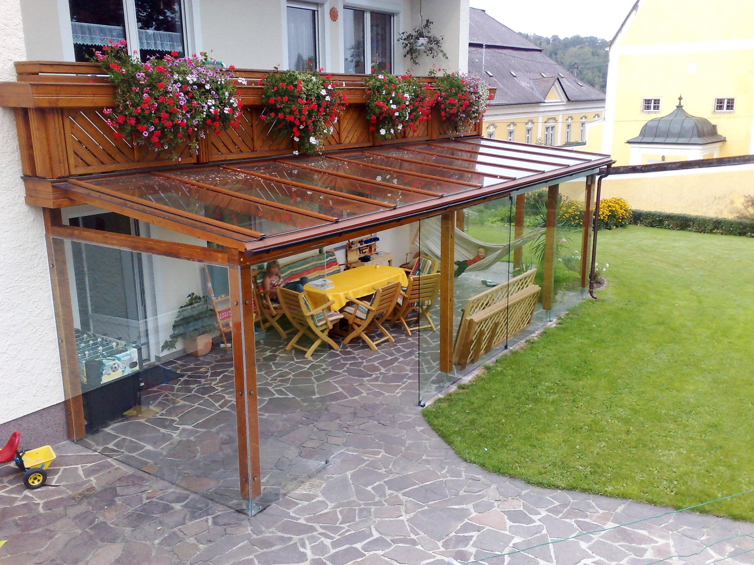 Terrassenuberdachung Pergola Aluminium Holz Mit Bildern Terrassenuberdachung Uberdachung Terrasse Terrassendach