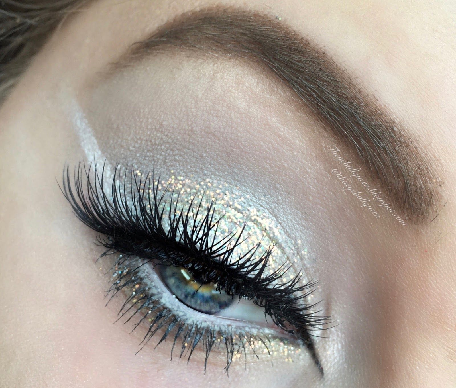 The Eyeball Queen White And Gold Glittery Summer Ice Queen Makeup