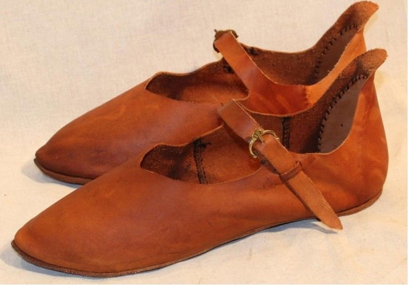 429799501a2e5 13th century items images | Norman strap shoes 13th-15th century ...