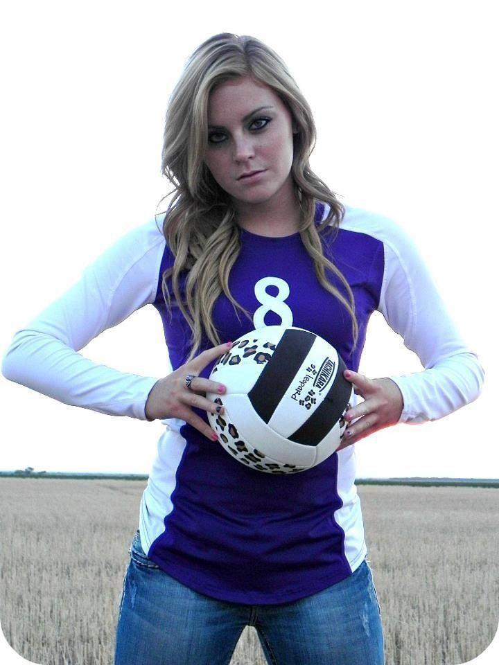 Senior Portrait Photo Picture Idea Volleyball Volleyball Senior Pictures Volleyball Pictures Volleyball Poses
