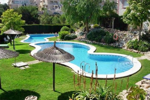 Awesome 6 Latest Trends In Decorating And Upgrading Backyard Swimming Pools