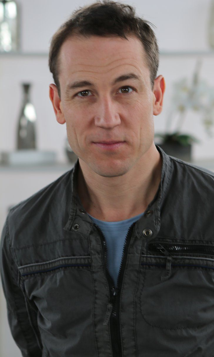 "Pin for Later: Outlander Villain Tobias Menzies Talks About the ""Uncomfortable Viewing"" Coming Up"
