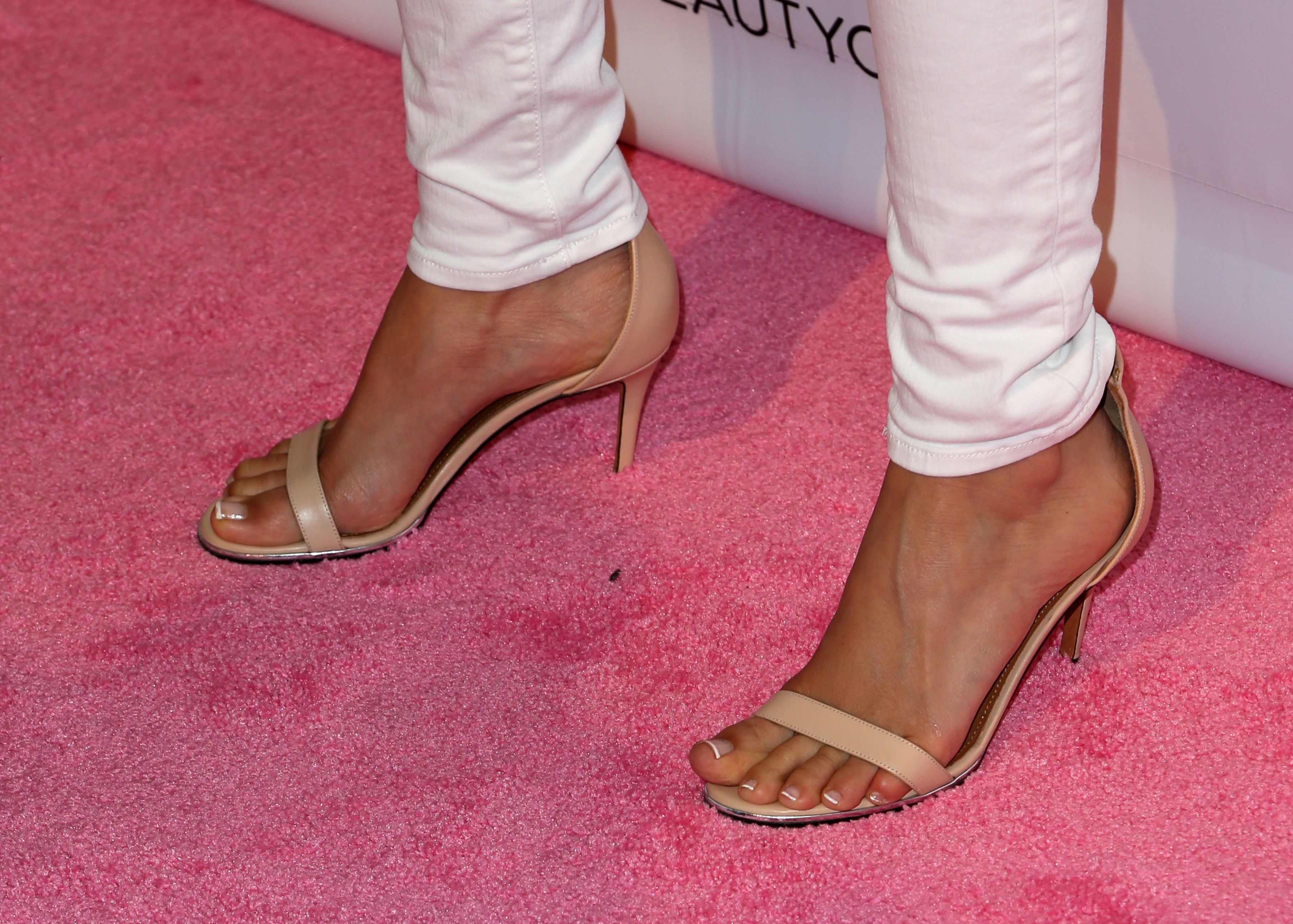 Ashley Tisdale's Feet << wikiFeet