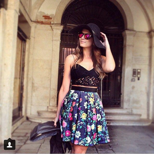 Bom diaaaaa!!!! Para começar mais lindo ainda nosso dia , #regram da nossa linda @arianecanovas do look de ontem ..... #FashionTripUnicas #unicasviaja #unicasbyarianecanovas #Veneza #amounicas #vemserunicas #lançamentodia26 #tudolindo #istoemuuuuiiiiiitooomais #AGUARDEM ❤️