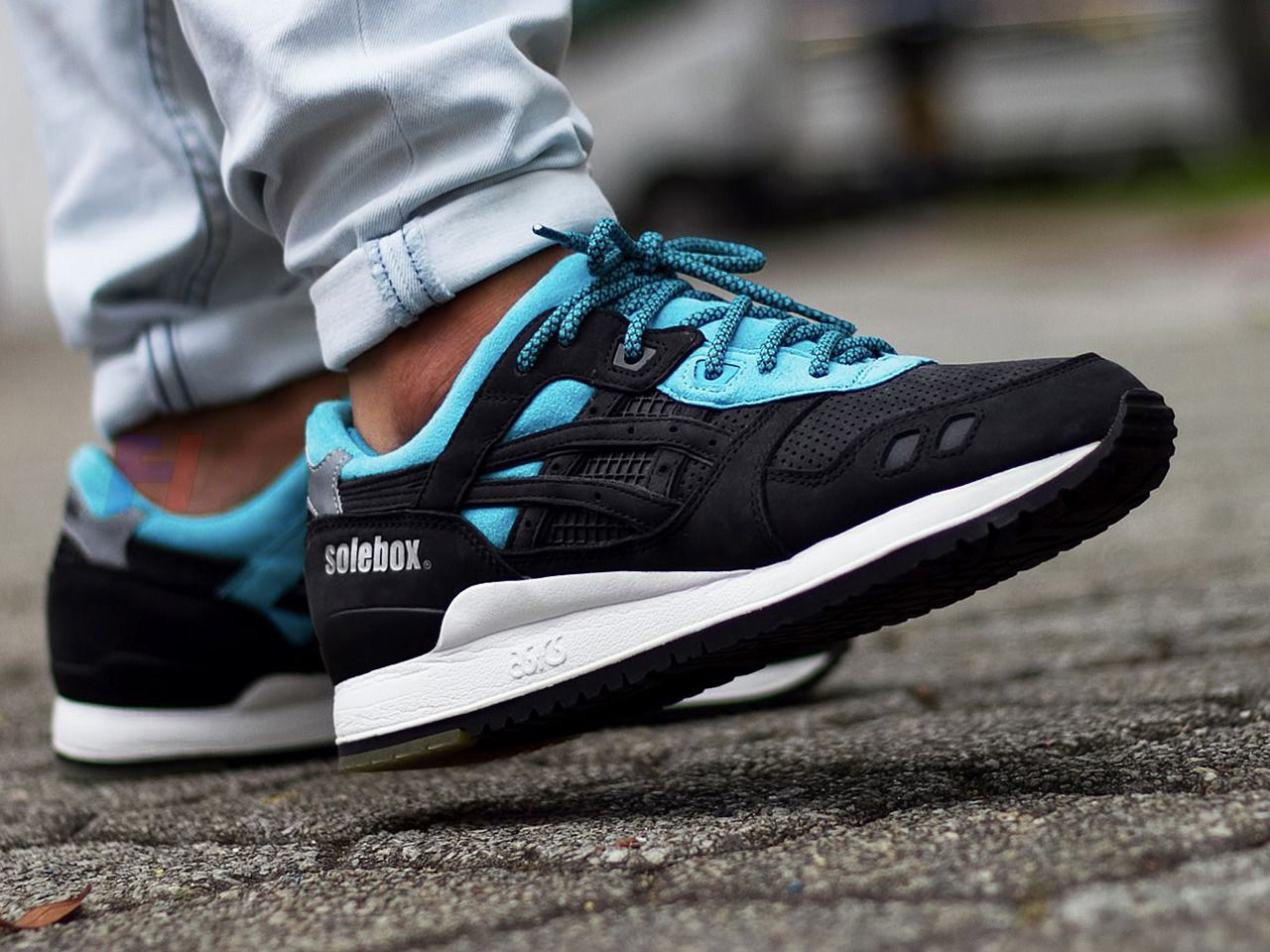 Solebox x ASICS Gel Lyte III Blue Carpenter Bee | The Sole