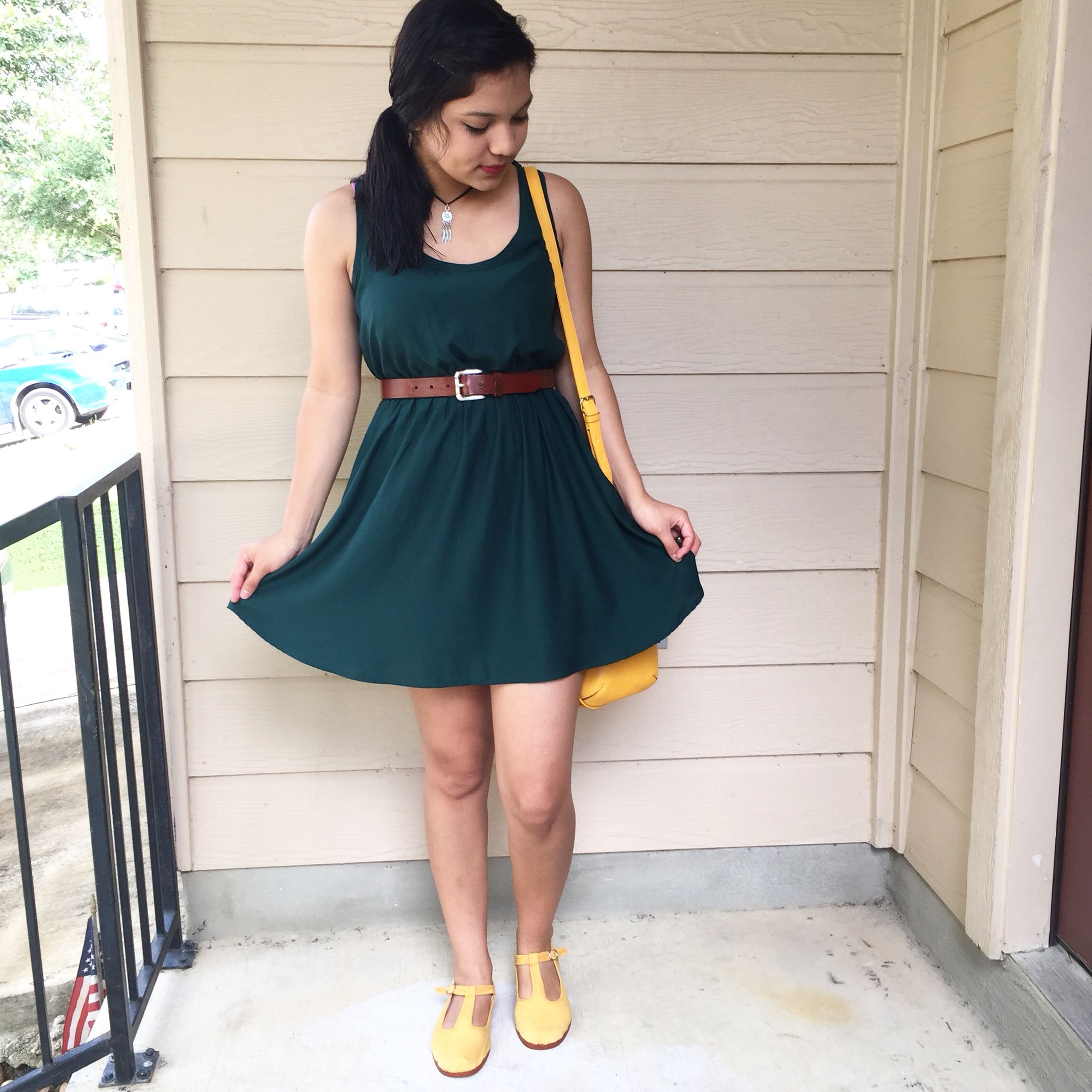 yellow shoes.   Green dress, Outfits