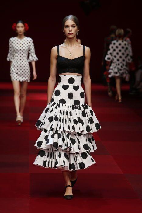Lunares + mega + volantes: Dolce & Gabbana