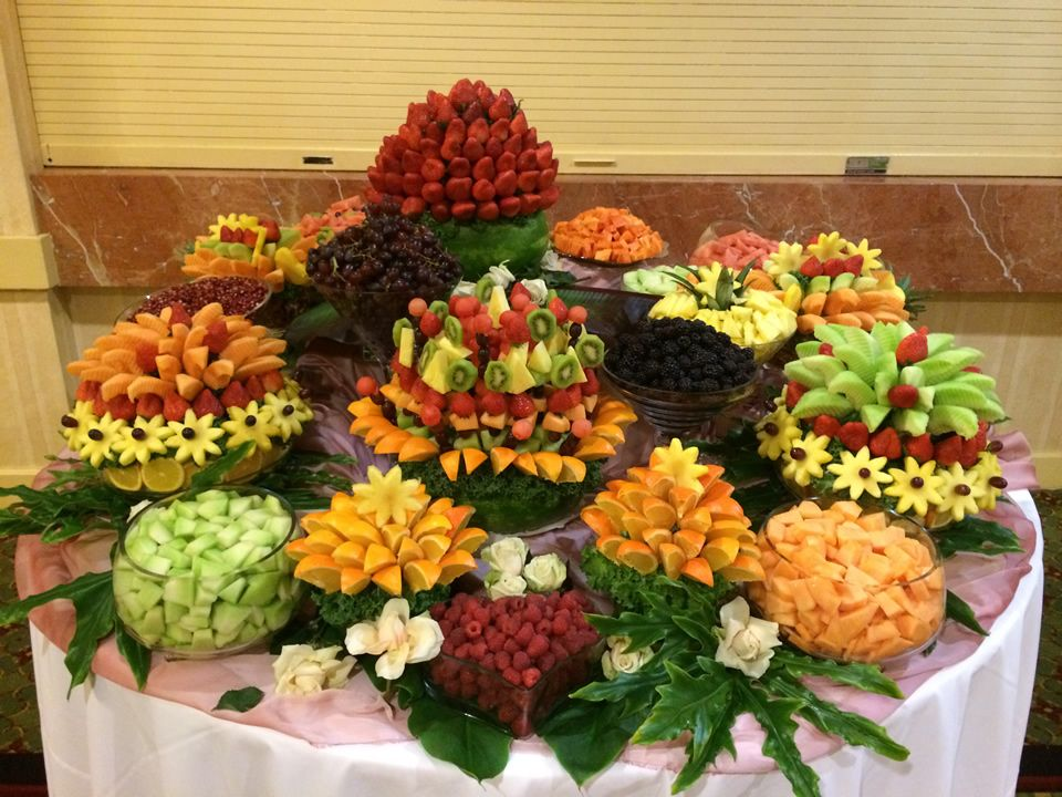 Fruit buffets fruit buffet edible fruit party themes - How to slice strawberries for decoration ...