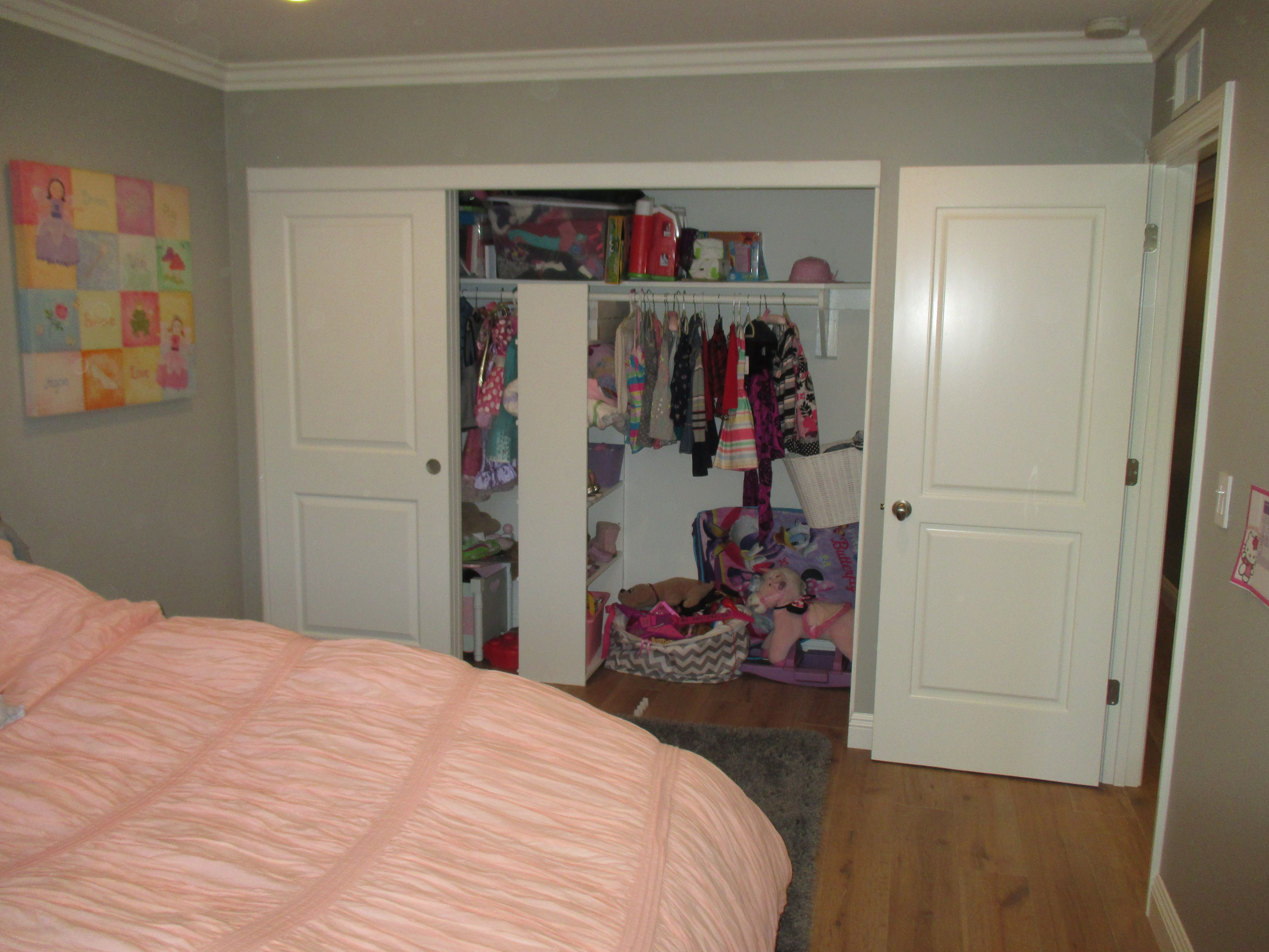 Big Closet Look Through Your Clothes With Ease Sliding Any One Of
