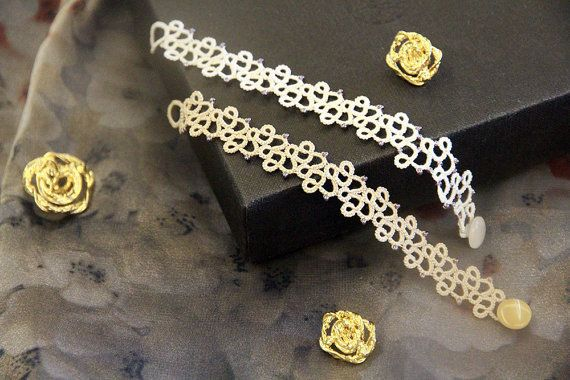 This listing is for a digital PDF pattern, NOT the finished item. The 4 page file includes the pattern of the tatting lace bracelet in the pictures