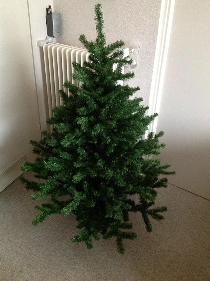 kunststoff weihnachtsbaum baumschmuck es weihnachtet sehr. Black Bedroom Furniture Sets. Home Design Ideas